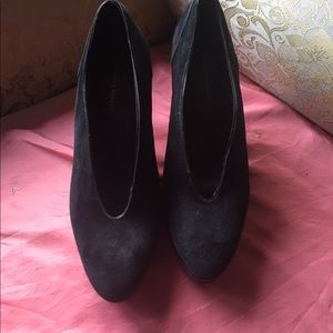 Black suede banana republic high heel should